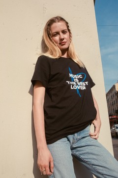 "T-Shirt ""Music Is The Best Lover"""